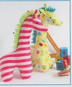 PATTERN-Flannery-cute-giraffe-softie-toy-PATTERN-Ric-Rac