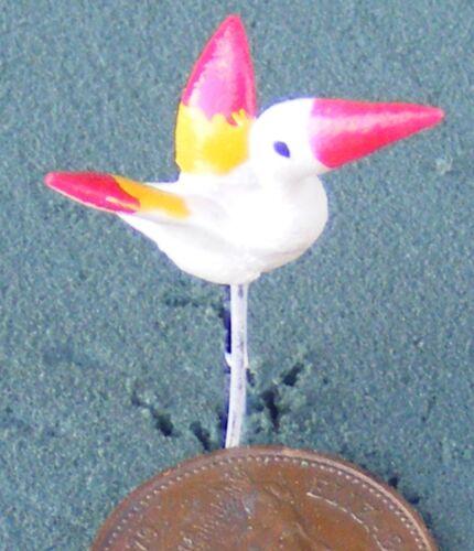 Single Multi Coloured Ceramic Heron Bird Tumdee Dolls House Garden Accessory ML