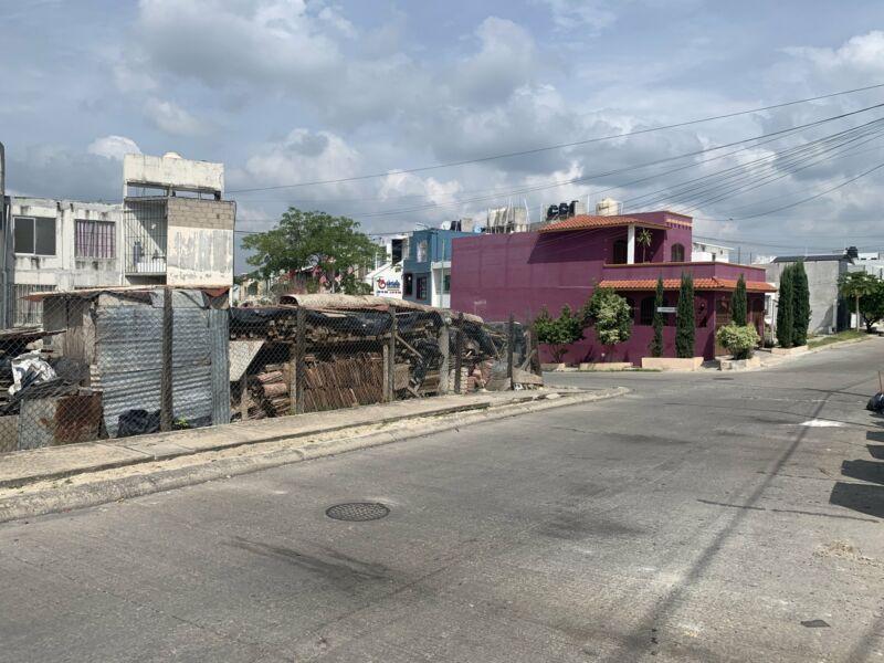 Terreno en venta blvd Laguitos fracc tres marias 493 m2