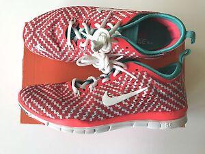 wholesale dealer 99053 9bcfd Das Bild wird geladen Neue-Damen-Nike-Free-5-0-TR-Fit-