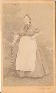 F-Hodura-CDV-photo-Feine-Dame-Wien-1870er