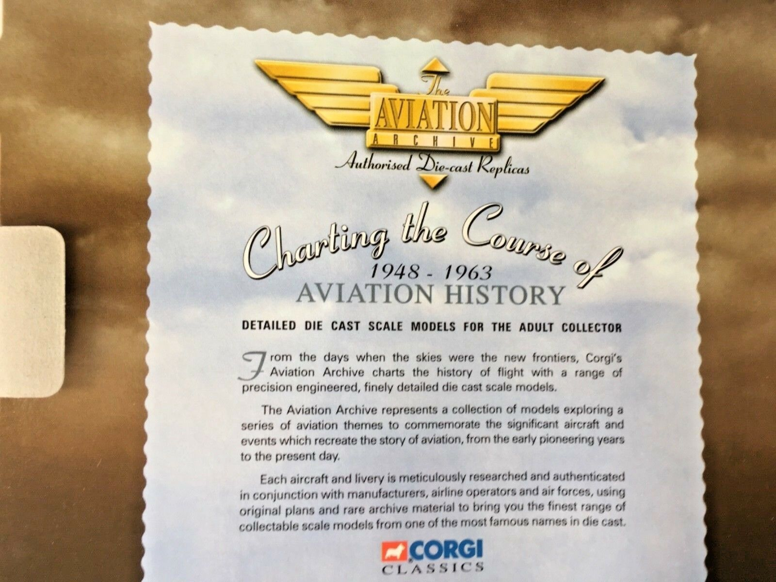 Corgi Classics Douglas DC-3 - American American American Airlines diecast 1 144 scale airplane e63c3d