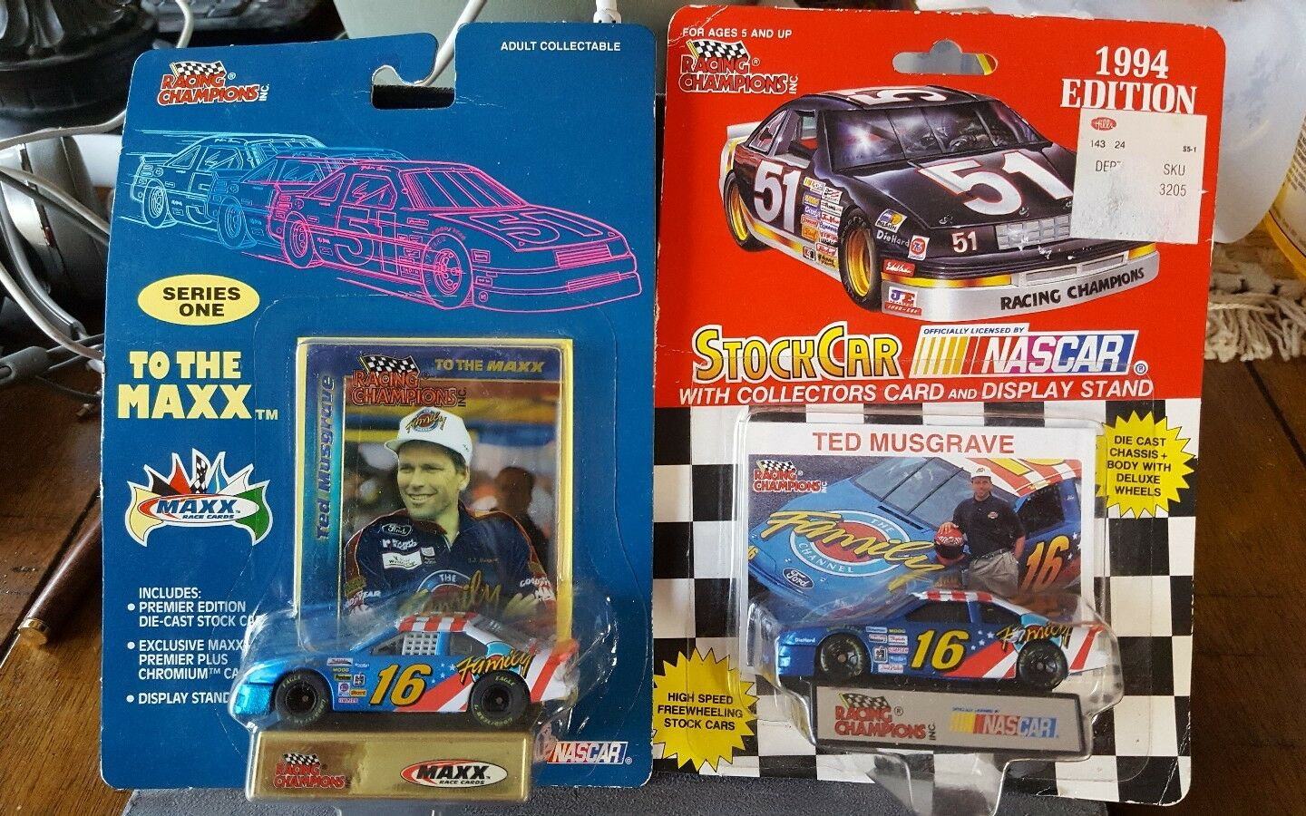 RACING CHAMPIONS CHAMPIONS CHAMPIONS  TED MUSGRAVE [1 64 SCALE] LOT OF 2 CARS NIP 0e7445