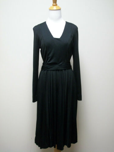 Grecian Design..Beautiful Qiana Knit Fabric Size 8 A MUST BUY Vintage Black Formal Gown