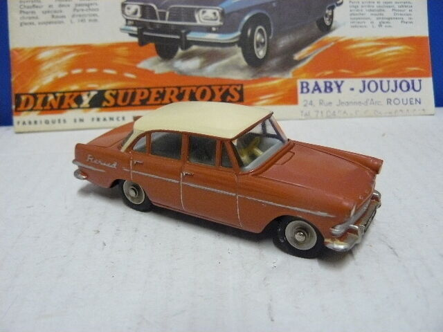 DINKY TOYS  ANCIEN  VOITURE OPEL REKORD BERLINE 4 PORTES   référence 554