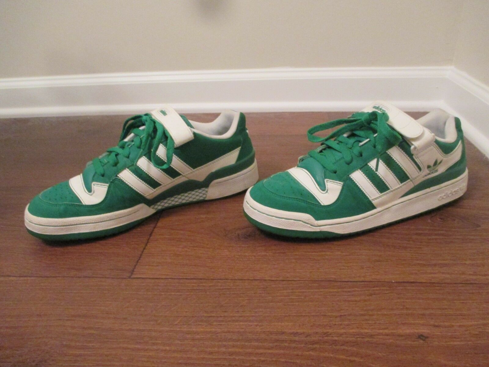 Used Worn Size 10.5 Adidas Forum Low shoes Green White