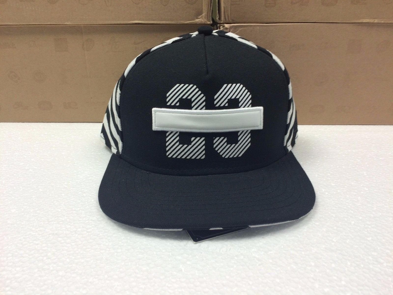 Mitchell /& Ness M/&N 1973 Birth of Hip Hop Structured Snap-Back Cap Hat NEW NE12Z