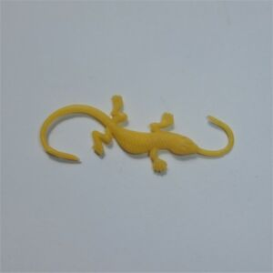 R-amp-L-Cereal-Toy-Swinging-Pets-1969-AU-not-stamped-Yellow-Loopy-Lizard