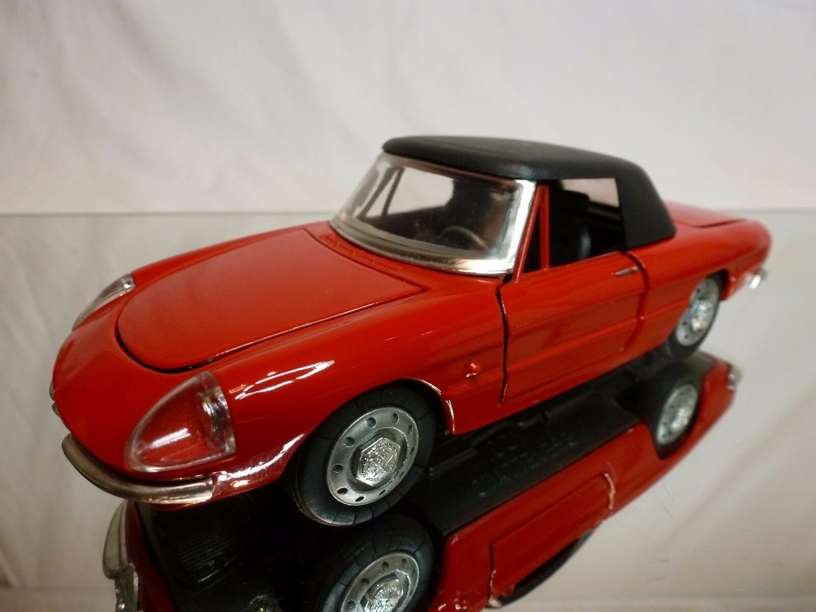 TOGI 9 68 ALFA ROMEO SPIDER + CLOSED TOP - rouge 1 23 - VERY GOOD CONDITION