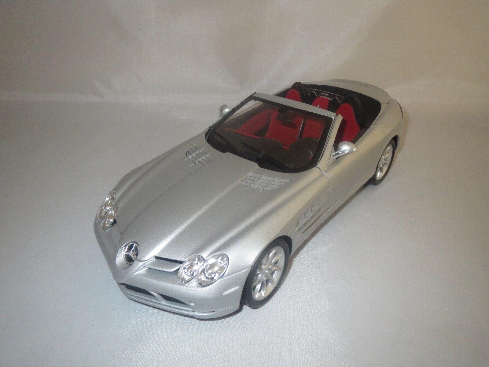 MINICHAMPS Mercedes-Benz SLR McLaren Roadster  2007  (argent-Met.) 1 18 neuf dans sa boîte