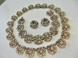 Early-Alfred-PhilippeTrifari-gold-plated-flower-Necklace-earrings-bracelet-set