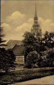 Itzehoe-Schleswig-Holstein-AK-1920-30-Klosterhof-mit-der-St-Laurentii-Kirche