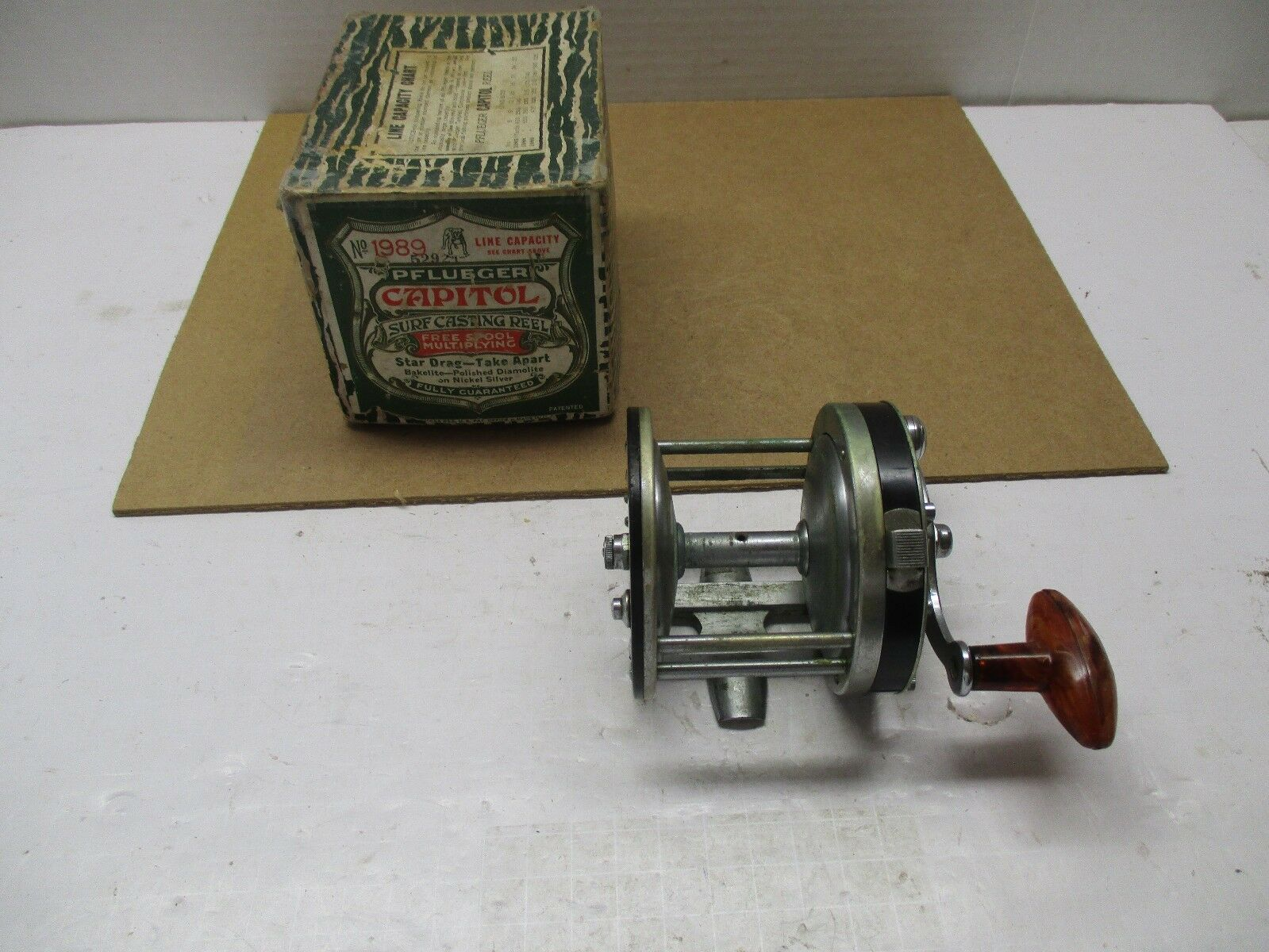 Vintage Pflueger Capitol No. 1989 Fishing Reel - Made in the USA      IN THE BOX