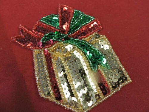 SEQUIN IRON ON CHRISTMAS PRESENT APPLIQUE 3461-K