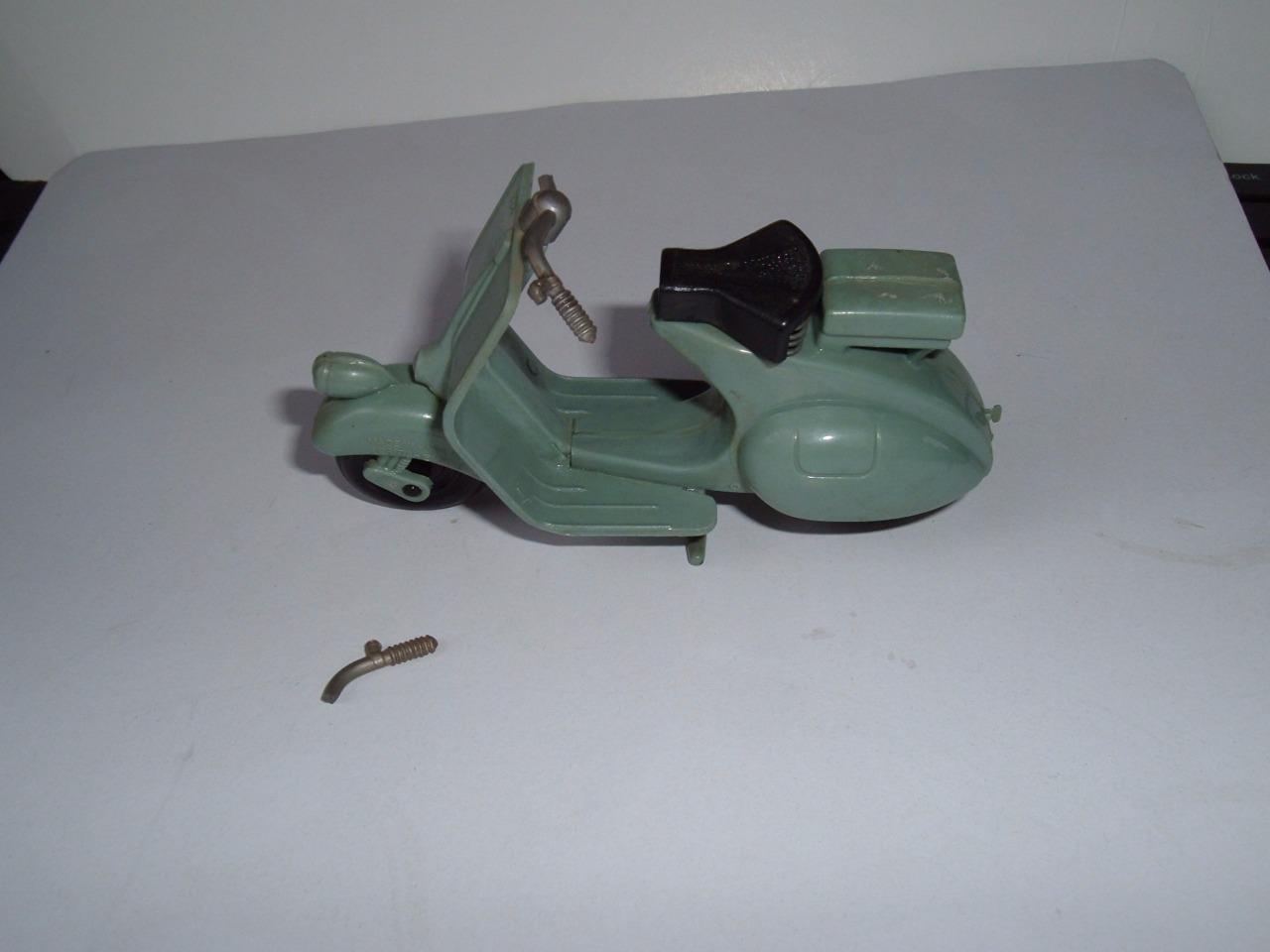 VESPA LAMBRETTA PLASTIC SCOOTER CLM HITECH 1 18 1950'S COMPLETE ZIP