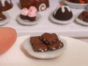 Miniature Dollhouse Brownie with nuts 1:12 scale dessert bjd food christmas plat