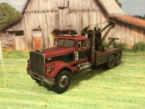 White-Road-Boss-Tow-Truck-1-64-Rusty-Weathered-Semi-Wrecker-NEO-For-DCP-Layout