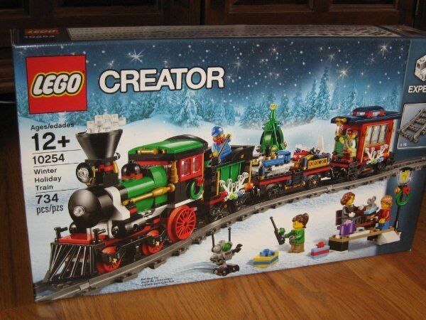 LEGO Creator WINTER HOLIDAY TRAIN   10254  734 pcs 5 minifigures SAME DAY SHIP