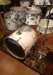 yamaha stage custom birch 5 piece acoustic drum set pure white pw free shirt 86792308807 ebay. Black Bedroom Furniture Sets. Home Design Ideas