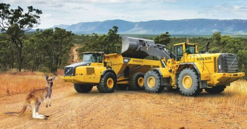 1:87 VOLVO CONSTRUCTION MOBILE EXCAVATOR NEW DIECAST IN DISPLAY CASE