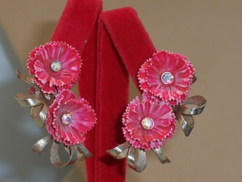 Vintage 1960/'s Pearly Pink Tropical Plumeria Flower Clip On Earrings