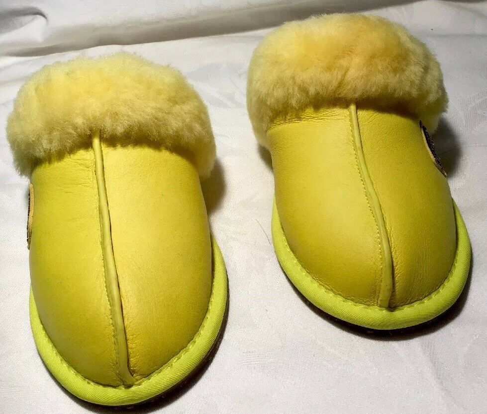 Australia Lux Collective Yellow Slippers Mule Sheepskin And Shearling , Size 6