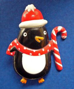 Hallmark-PIN-Christmas-Vintage-PENGUIN-CANDY-CANE-SANTA-HAT-Holiday-Brooch