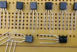 600mA 140V NPN Bipolar Transistor 2N5550TFR  TO-92 625mW 300MHz Multi Qty