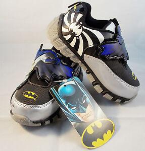 Boys Batman Light-Up Athletic Shoes Toddler Size 10 DC Comics BMF307 ...