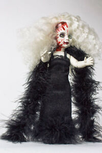 Living Dead Dolls Hollywood Series 5 LDD Fashion Victim Pale Zombie Creepy Mezco