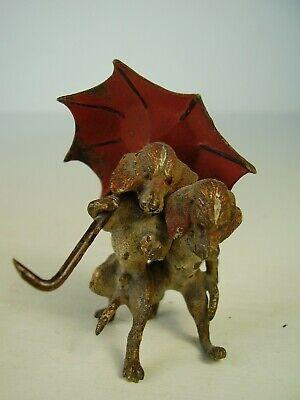 Antike Seltene Wiener Bronze Hunde Dackel Paar Mit Regenschirm Reinweiß Und LichtdurchläSsig