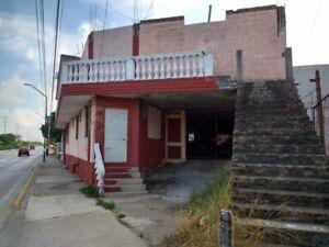 Casa en Venta en Avenida Monterrey, Tampico Tamps.