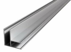 Eckprofil-zur-Verbindung-von-zwei-8-mm-Glasteilen
