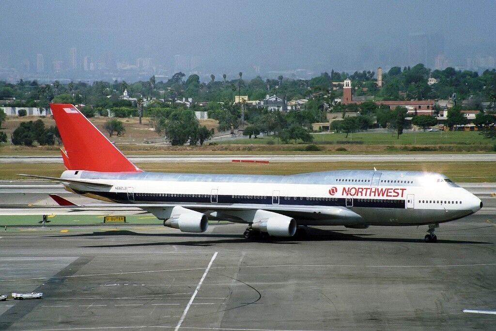 Jfox WB744NW001P 1/200 Northwest Airlines Boeing 747-400 N662US Pulido Con Soporte