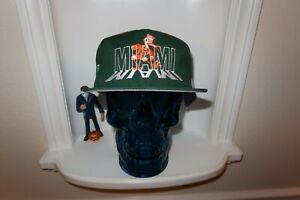 NWT-VINTAGE-MIAMI-HURRICANES-APPAREL-1-SHADOW-SNAPBACK-HAT-GREY-UNDERBILL