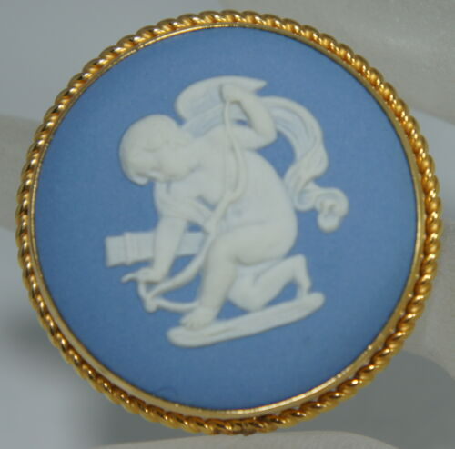 VINTAGE WEDGWOOD GOLD FILLED BLUE/WHITE JASPER WARE BROOCH/PIN CUPID/CHERUB