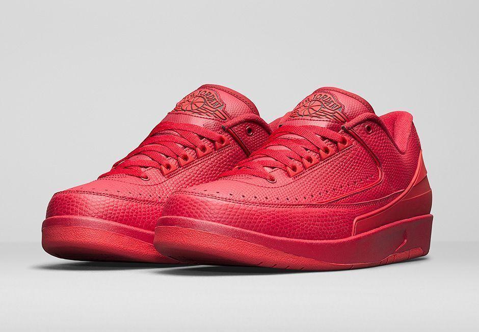 2016 Nike Air Jordan 2 II Retro Low Gym Red Size 12.5. 832819-606. chicago black