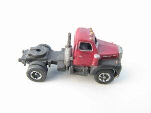 N-Scale-1953-66-Single-Axle-Truck-Bulldog-Model-B-Kit-Showcase-Miniatures-27
