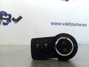 Remote-Lights-13268694-3290646-Vauxhall-Logo-Saloon-Cosmo-07-08-12-11