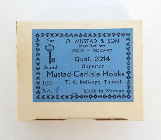 BOX OF 100 MUSTAD-CARLISLE HOOKS SIZE 1 T.D 3214 BALL-EYE TINNED