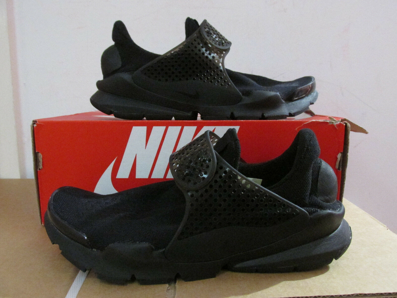 Nike Calze Dart Scarpe Uomo da Corsa 819686 001 Scarpe da Tennis Svendita