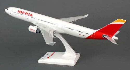 Airbus A330-300 Iberia 1:200 SkyMarks SKR836 Flugzeugmodell A330 NEU