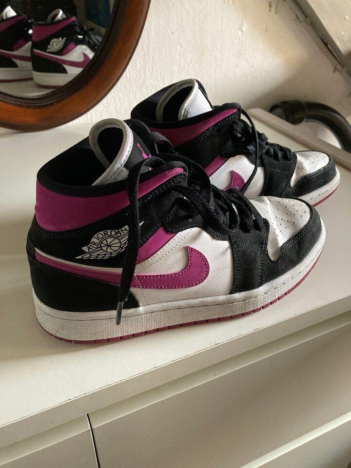 Sneakers, str. 38, Nike Air Jordan