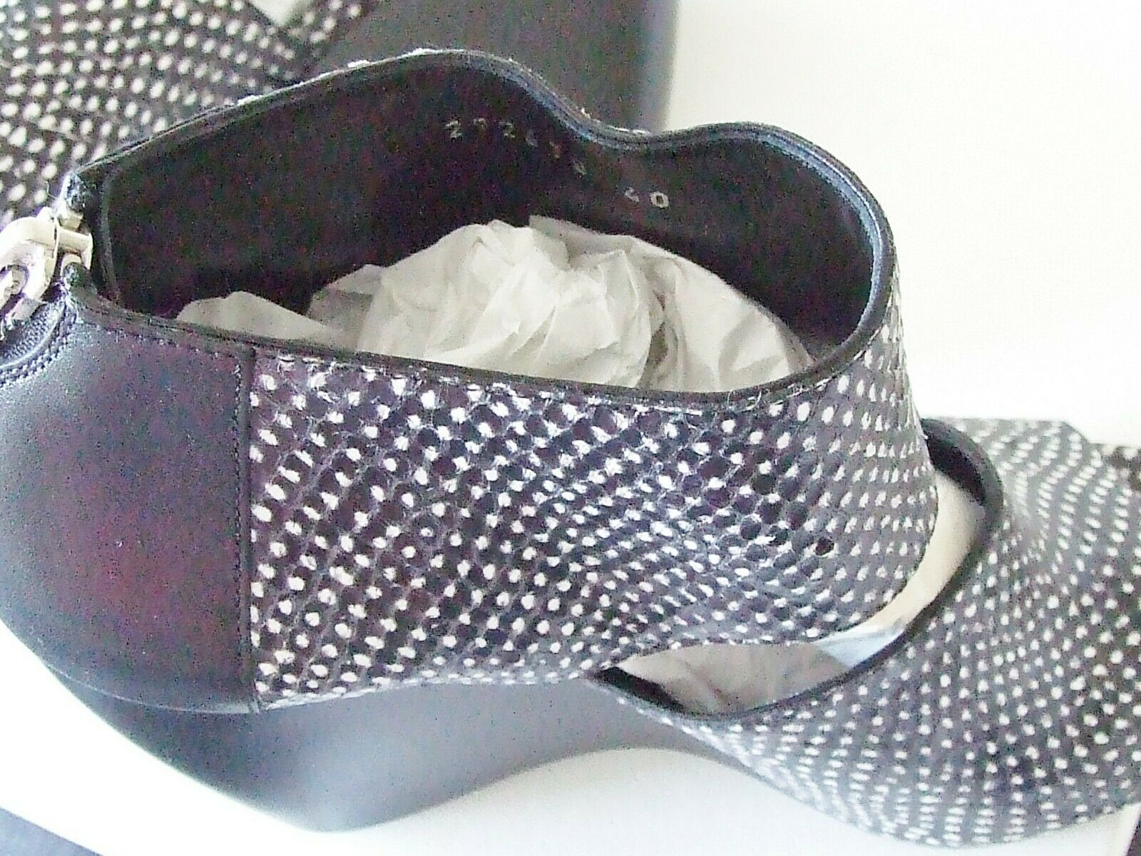 Balenciaga Leather and Snake Skin Wedge Heels Sz Sz Heels 40 IT 9 US  1065 New In Box 327057