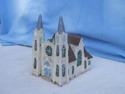 1998 Ceramic Building   DIVINE REDEEMER CHURCH  Mt Carmel Pa   Christmas Village