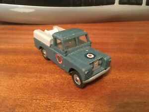 Vintage-Tri-ang-Spot-On-1-42-Scale-L-W-B-Land-Rover-R-A-F-Fire-Service