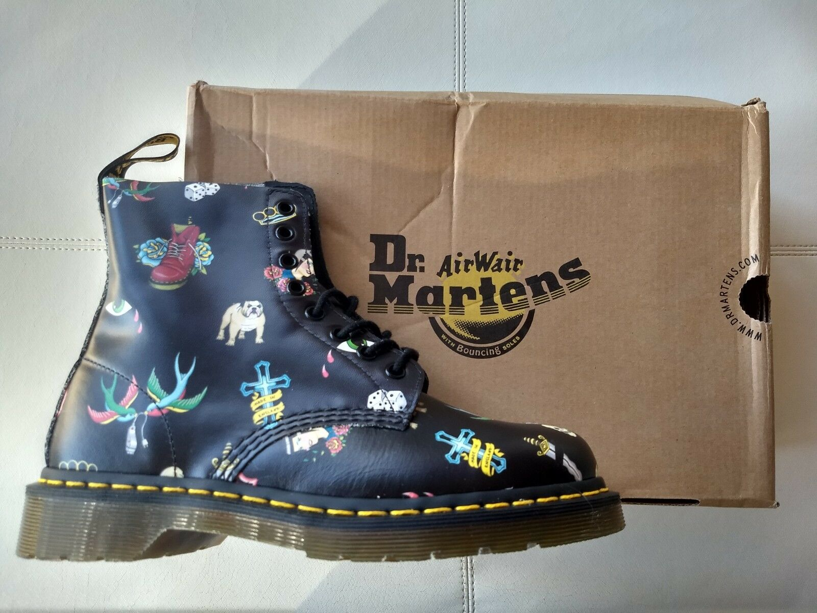 DOC DR. MARTENS BLACK SKINS TATTOO SOFTY T LEATHER BOOTS NEW WITH BOX UNISEX 6UK
