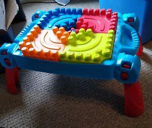 Mega-Bloks-Big-Builders-Build-N-Learn-Table-Plus-30-Piece-Block-Set-Kids-w-Car