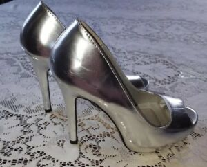 341e1947eb5d NEW Charlotte Russe Peep Toes Platform Silver High Heel Sexy Shoes 7 ...