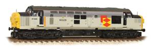 Graham Farish 371-470 Class 37 0 37068 Grainflow BR Railfreight Distribution N